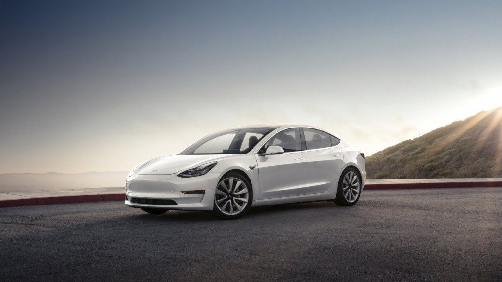 Model 3 Mountain - Pearl_1300x731.jpg